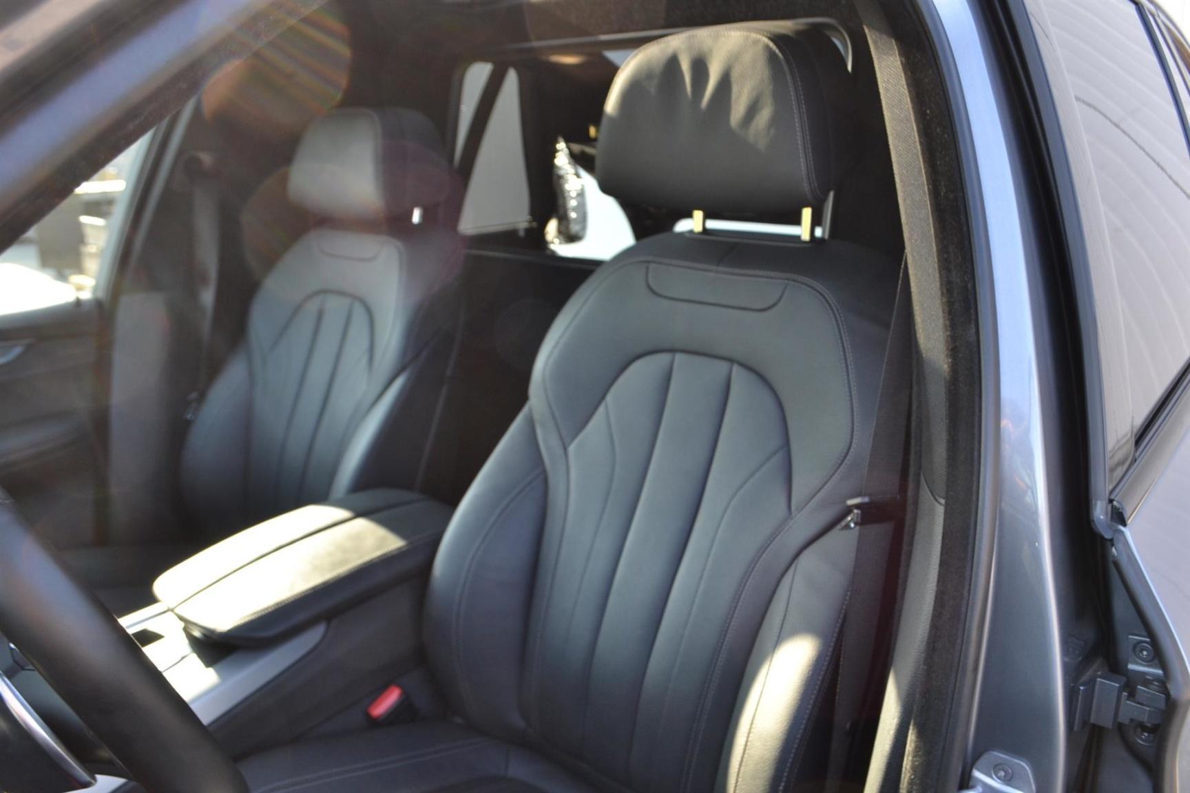 BMW-X5-16