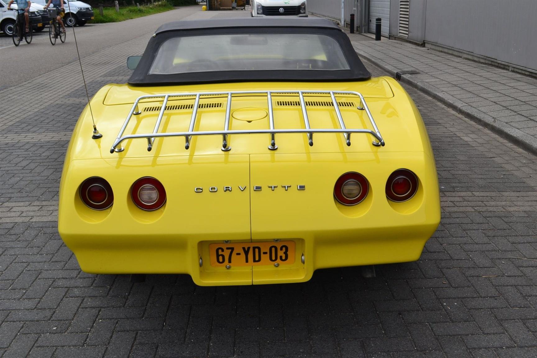 Chevrolet-Corvette-5