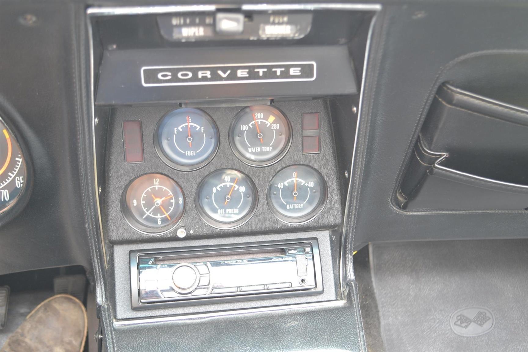 Chevrolet-Corvette-15