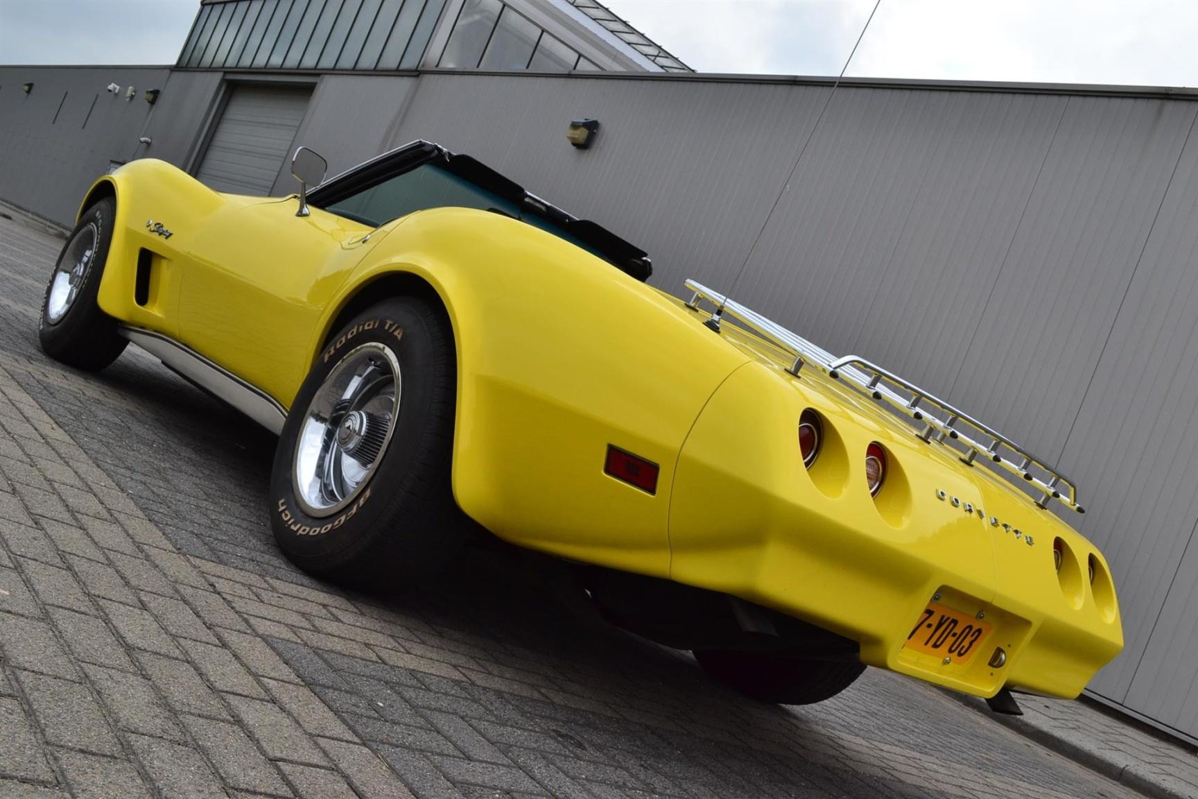 Chevrolet-Corvette-27