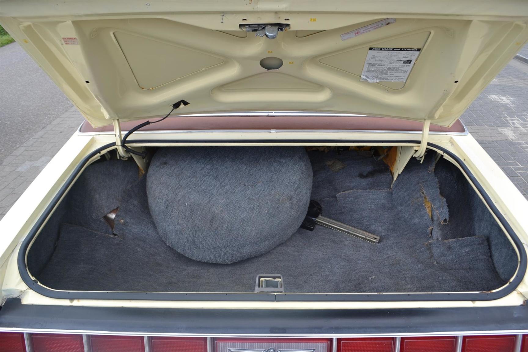 Ford-Thunderbird-20