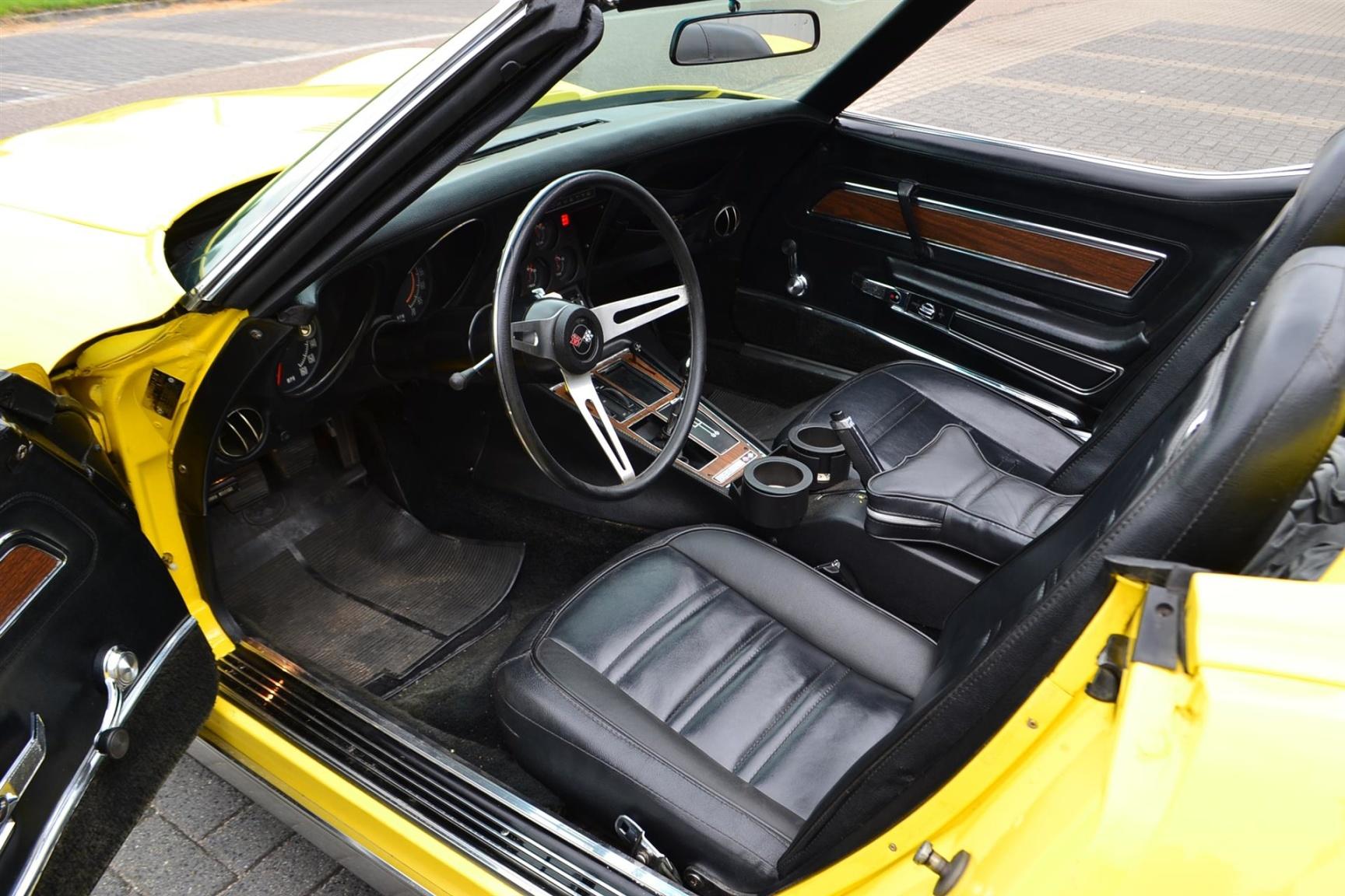 Chevrolet-Corvette-11