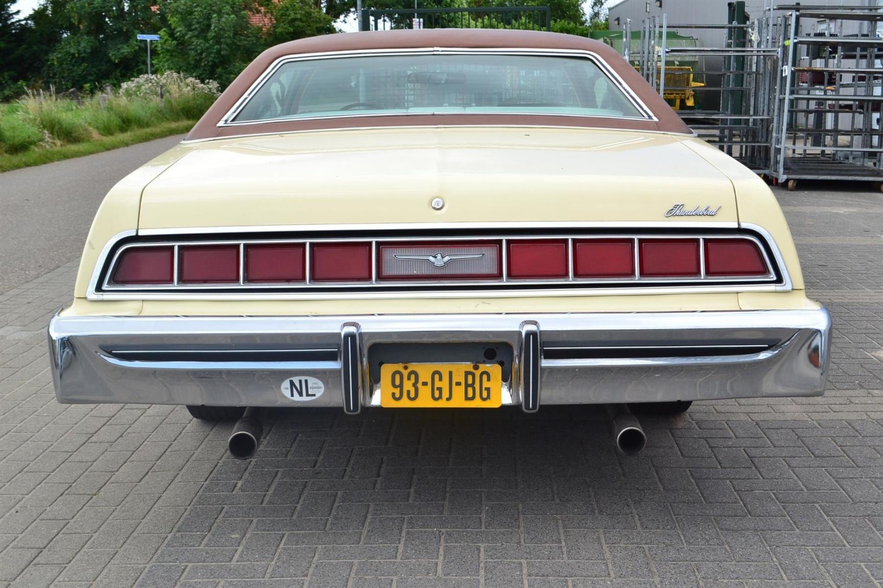Ford-Thunderbird-28