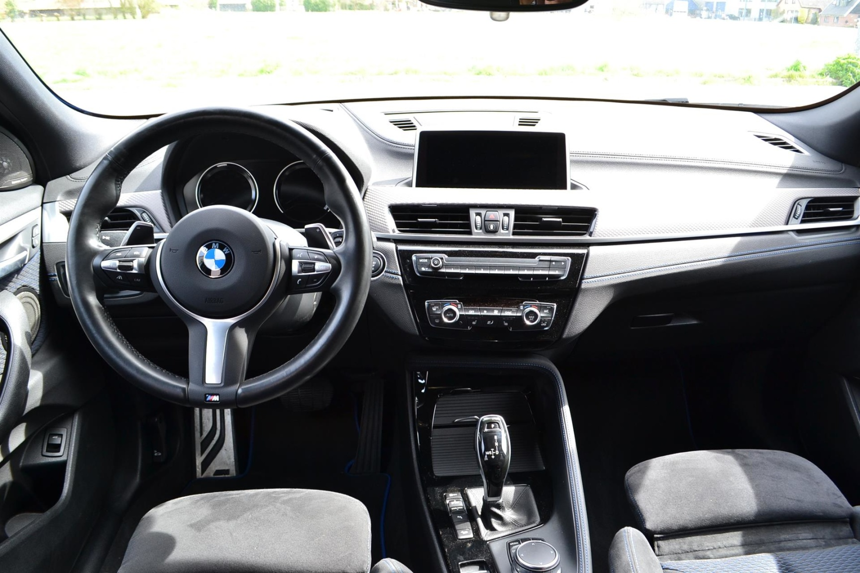 BMW-X2 XDRIVE20I-7