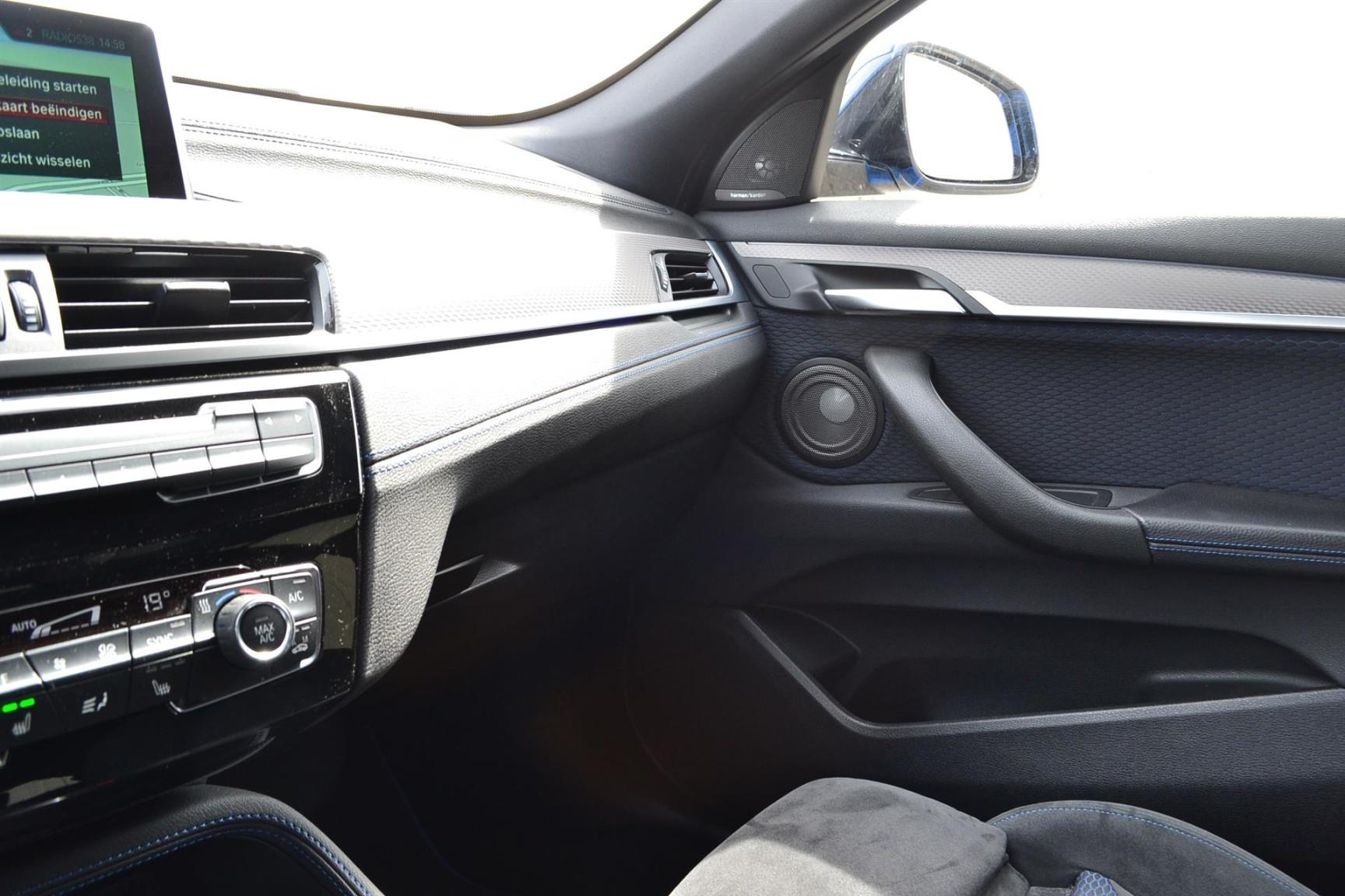 BMW-X2 XDRIVE20I-18
