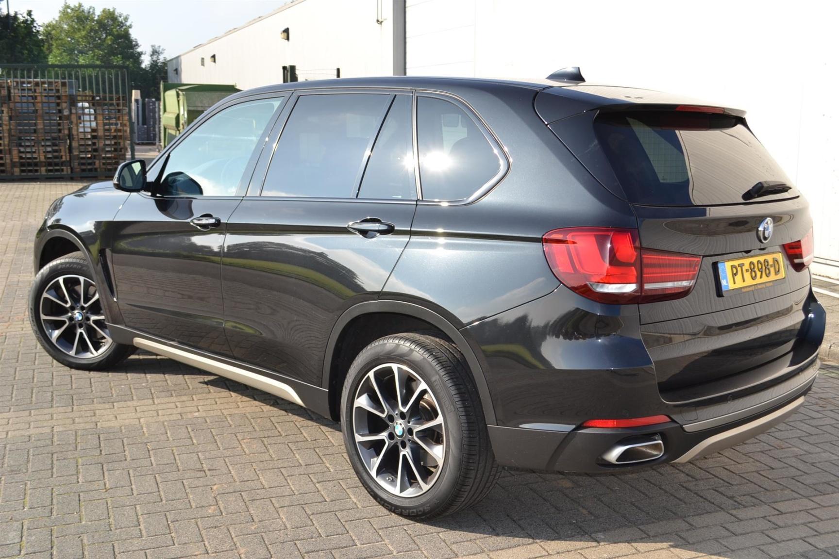 BMW-X5-4