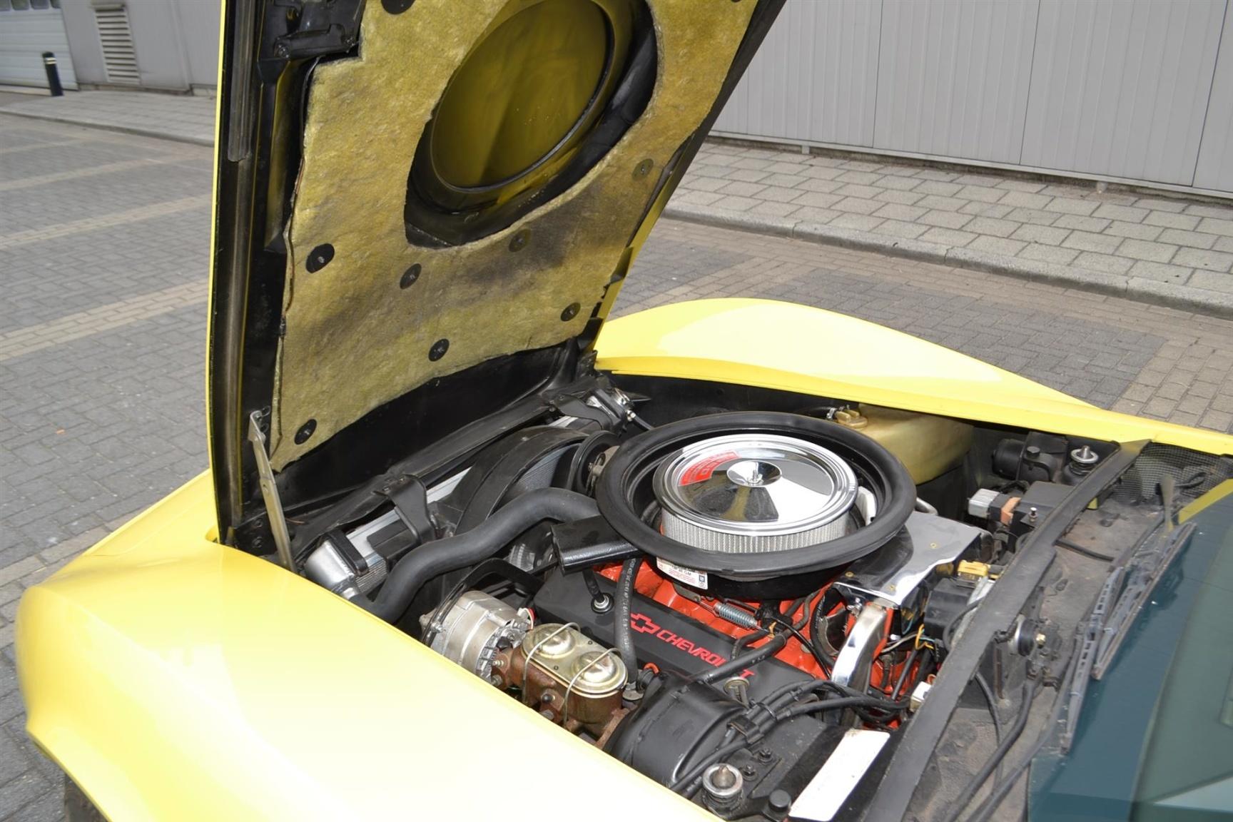 Chevrolet-Corvette-37